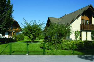 Maschendrahtzaun zur Grundstücksbegrenzung